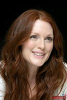 julianne-moore07.jpg