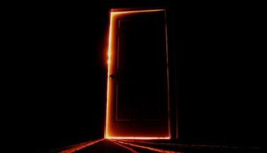 Страшные двери