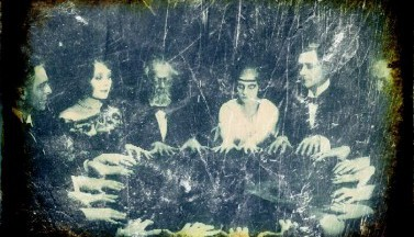 12 старых фотографий спиритических сеансов