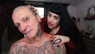 Женщина-вампир, и правда о том, что 2 литра крови сделают вас пожизненным вампиром)