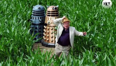 Английский фермер создал огромные изображения героев «Доктора Кто» на кукурузном поле