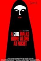Девушка возвращается одна ночью домой  смотреть онлайн