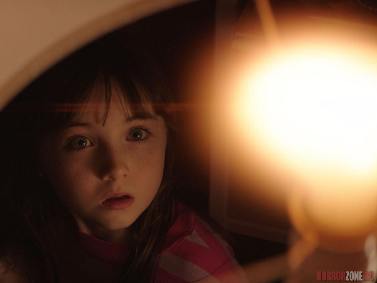 ПОЛТЕРГЕЙСТ (2015), кадр из фильма