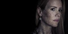 """Сара Полсон из """"Американской истории ужасов"""" напоролась на """"Стекло"""""""