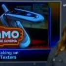 Как правильно поступать с теми, кто использует в кинотеатре телефон