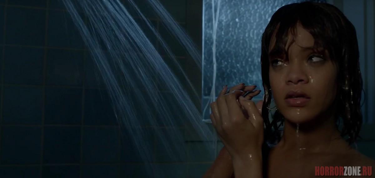 Rihanna в душе, кадр из сериала МОТЕЛЬ БЭЙТСОВ