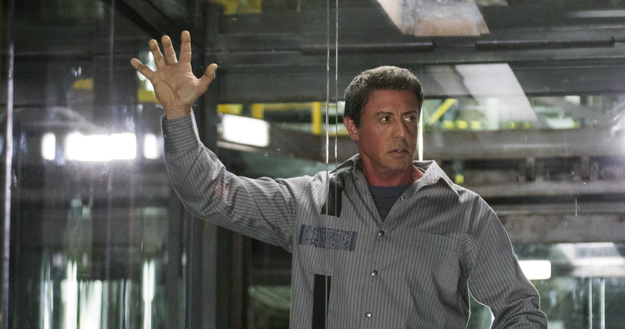 Фильм со сталлоне в тюрьме последний герой остаться в живых с бодровым