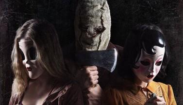 """Убийцы в масках возвращаются на новом постере сиквела """"Незнакомцев"""""""