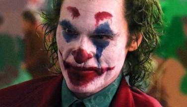 ДЖОКЕР устраивает цирковой террор в метро (ВИДЕО)