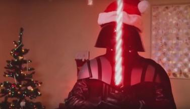 Как Дарт Вейдер отмечает Рождество (ВИДЕО)